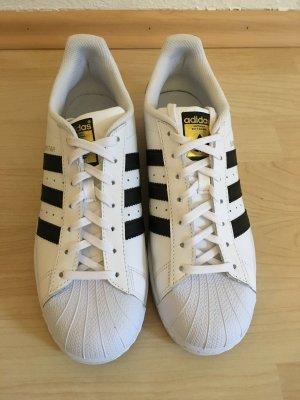 Adidas Superstars 40 2/3 nur 1x getragen