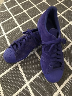 Adidas Superstars City Series in Lila