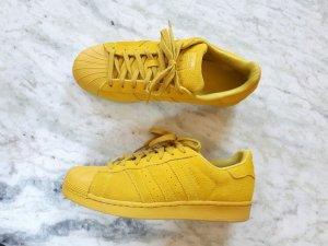 Adidas Superstars gelb Wildleder
