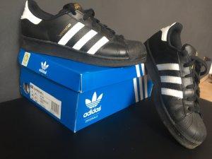 Adidas Superstars - Größe 38