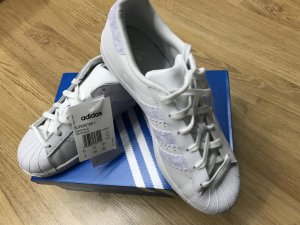 Adidas Originals Lace-Up Sneaker white-lilac