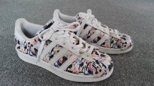 Adidas Superstars Limited Edition Größe 37