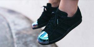 Adidas Superstars schwarz
