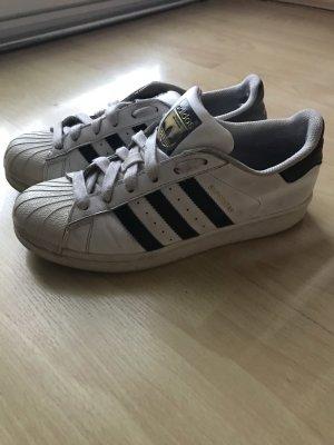 Adidas Superstars weiß/schwarz 37,5