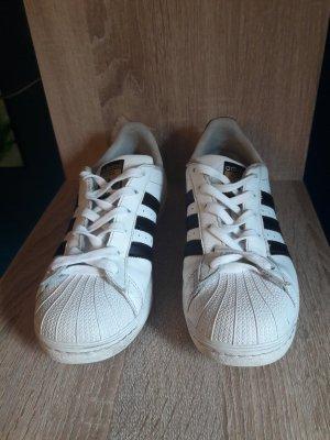 Adidas Superstars weiß schwarz