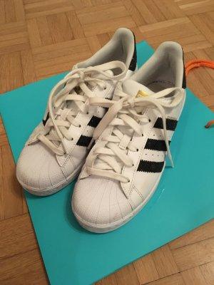 Adidas Superstars weiß/schwarz