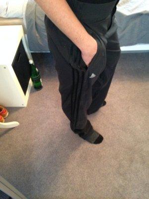 Adidas Trainingshose schwarz in Gr. 36