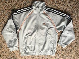 Adidas Trainingsjacke Größe 164 fällt groß aus