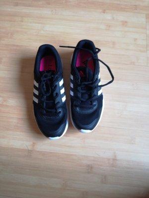 Adidas Trainingsschuhe