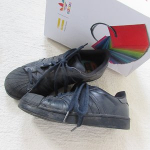 Adidas * Traum Sneaker Pharrell Williams * dunkelblau * 39 (UK6)