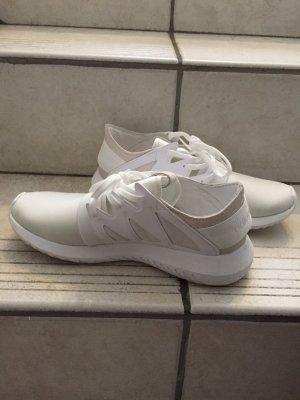 Adidas Tubular Low in Weiß
