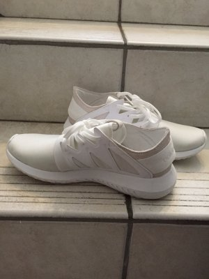 Adidas Tubular Low in Weiß