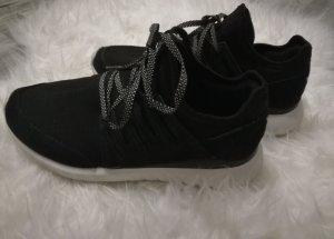 Adidas Tubular Radial Schuhe Gr.41 1/3