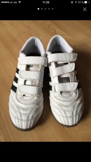 Adidas Turnschuhe .......
