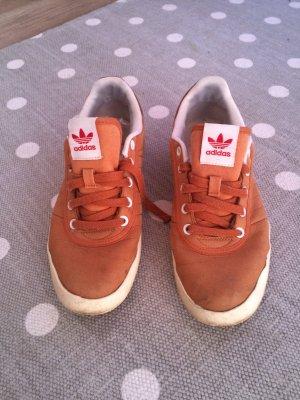 Adidas Turnschuhe  !