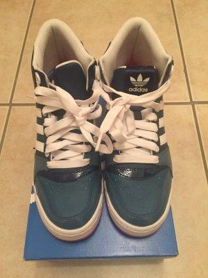 Adidas Turnschuhe/Sneaker