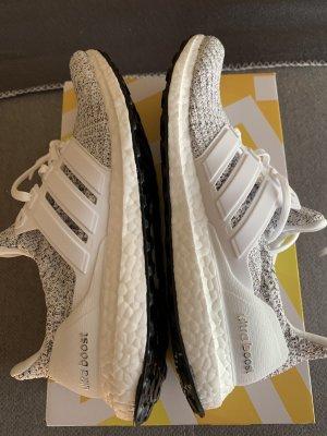 Adidas Ultra Boost Gr. 40 2/3 Neu und ungetragen