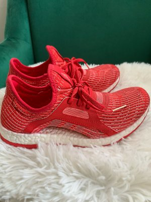 Adidas Ultra boost in rot