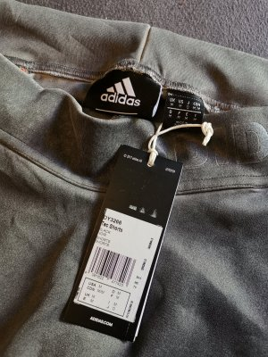 Adidas Undefeated Tec Shorts NEU