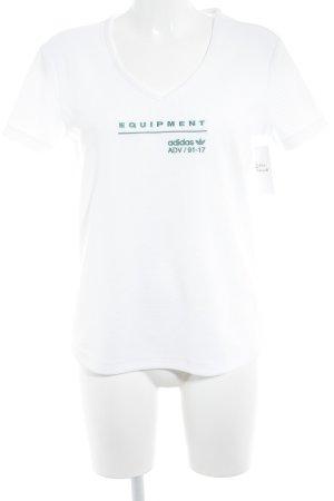 Adidas V-Ausschnitt-Shirt weiß-waldgrün Schriftzug gestickt Casual-Look