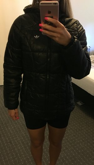 Adidas Winterjacke wie Neu