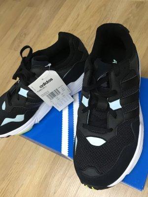 Adidas Originals Lace-Up Sneaker black-white
