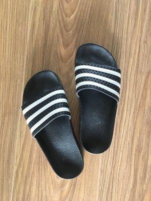 Adidas Zuecos negro-blanco