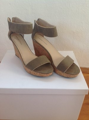 Adrienne Vittadini Wedge Sandals grey brown-camel