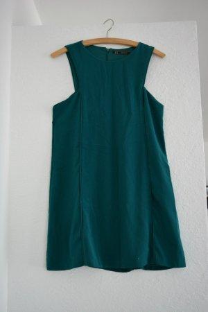 Ärmelloses blau/grünes Kleid mit Taschen Blogger