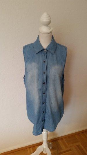 Ärmelloses Jeans-Hemd von All about Eve mit schönem, blassem Ethno-Print hinten