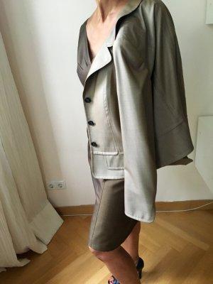 Ärmelloses Kostümkleid mit Jacke, lässig korrekt, hochwertig von Escada, Seiden-Wollgemisch