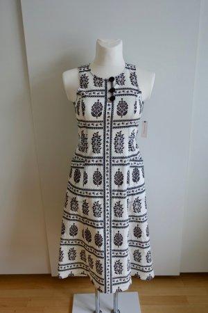 Ärmelloses tailliertes Kleid