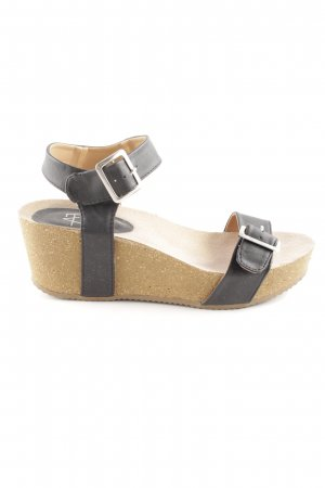 AF Wedge Sandals black-cream casual look