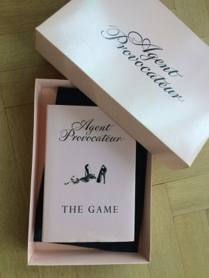 Agent Provocateur Strip Poker Set Spiel