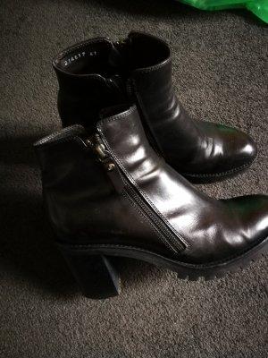 AGL Boots in schwarz