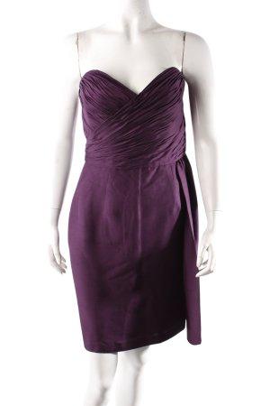 Robe de cocktail violet foncé