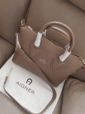 Aigner Bag mit Schultergurt Leder Camel Neu und original verpackt