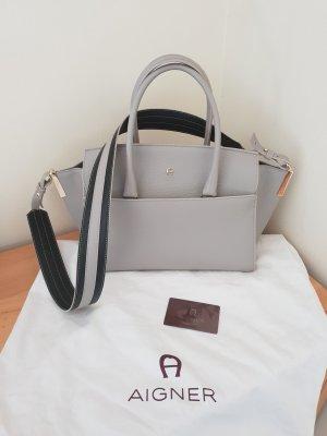 Aigner Premium  Modell Bella Bag Size M Hellgrau NEU