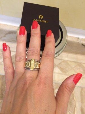 Aigner Ring mit svarowski Steinen