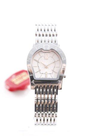 Aigner Montre avec bracelet métallique argenté élégant