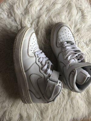 Nike Velcro Sneakers white