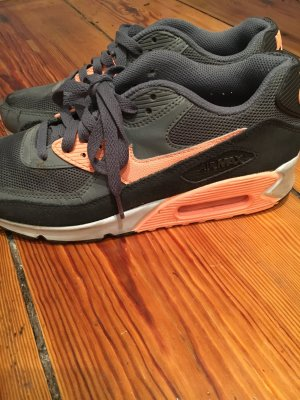 Air Max 90 in trendigen Farben