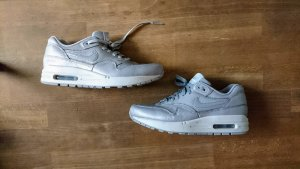 Air Max One in silber