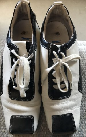 Air Step Chaussures à lacets blanc-noir