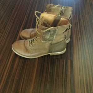 Air Step Lace-up Boots camel
