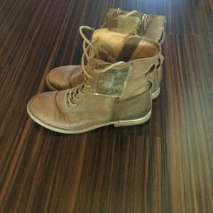 Air Step Boots beige