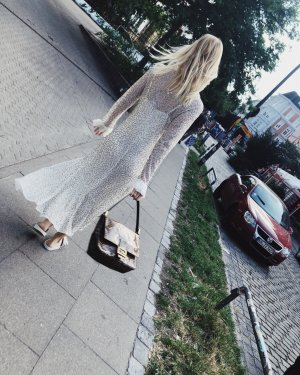 Aje Mirbelia besticktes Kleid Maxikleid weißes Kleid XS Ivory Wedding Dress Partykleid mit Stickereien