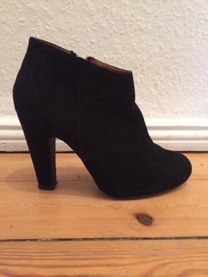 Akira Ankle Boots schwarz Veloursleder