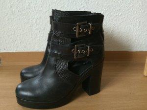 Akira Biker Boots Cut-Out