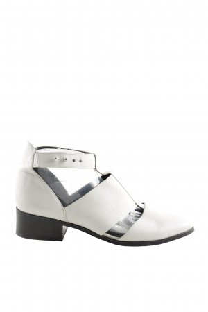 Akira Stivaletto cut out bianco-nero elegante